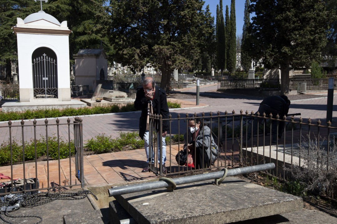 Burial of my grandmother in the cemetery of Sabadell, Barcelona.  Concepció Romeu Anfruns, died on April 3, 2020 due to Covid-19. Of the whole family, we were only able to attend 4 people. April 5, 2020.